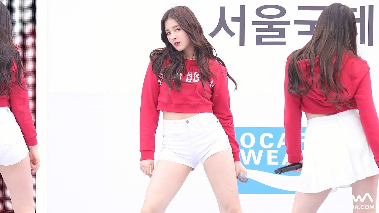 MOMOLAND Fancam by -wA-